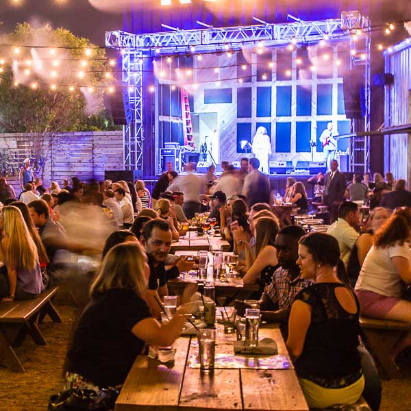 Restaurants with Performance Spaces